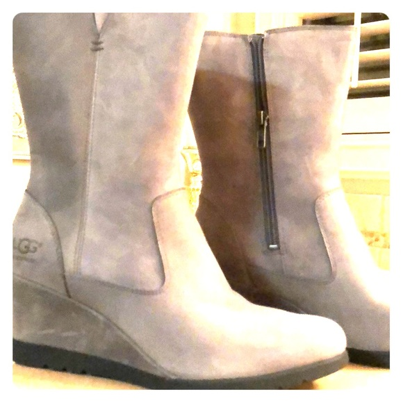 14cd63cd1da Ugg Joely boots NWT